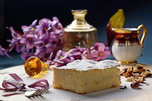 Krempita   3 kore lisnatog testa, bogat kuvani vrhunski vanil krem.